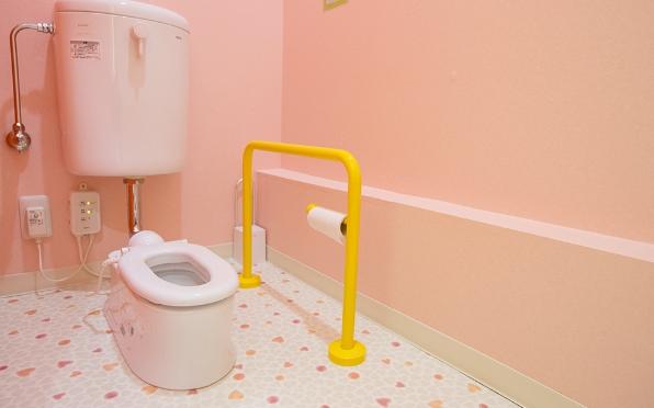 児童用トイレ